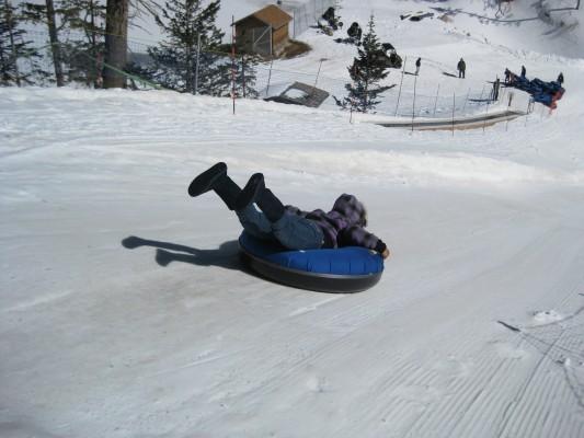 Tubing Ski Apache